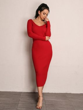 Вязаное платье с двойным v-образным вырезом
