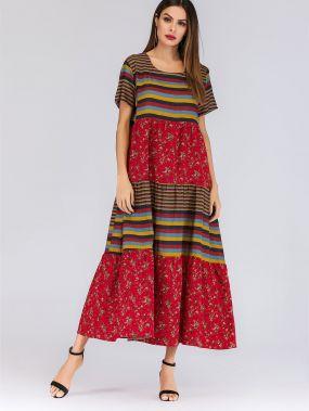 Красочное полосатое платье с цветочным принтом