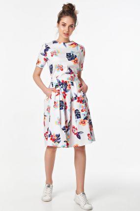 Романтичное платье со складками на лето