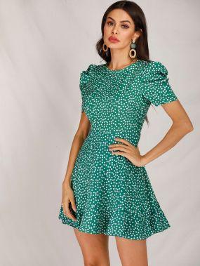 Цветочное платье с пышными рукавами