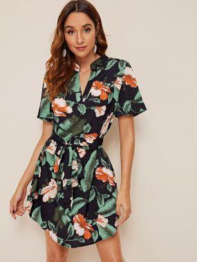 Асимметричное платье с поясом и цветочным тропическим принтом