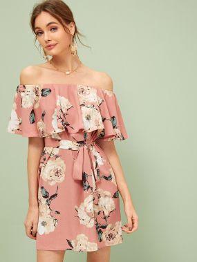 Платье с цветочным принтом, оборкой и поясом