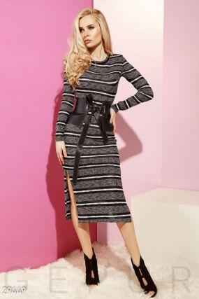 Удлиненное платье с разрезами
