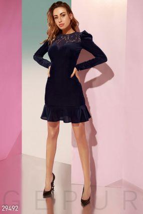 Велюровое облегающее платье