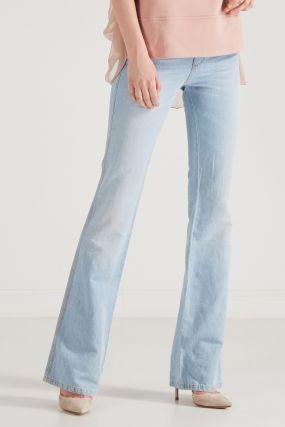 Светло-голубые джинсы