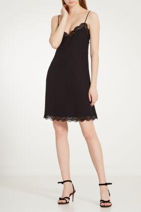 Черное платье-комбинация с кружевом