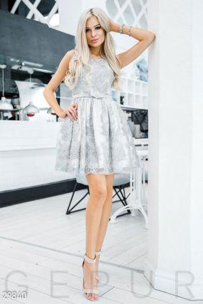 Воздушное платье с пайетками