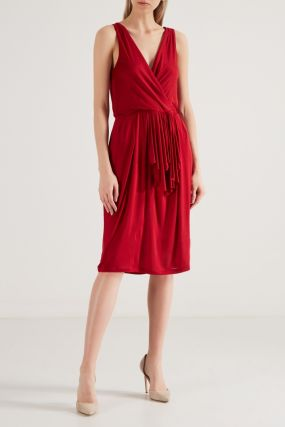 Красное платье из вискозы
