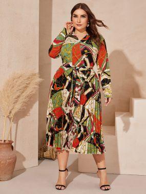 Плиссированное платье размера плюс со смешанным принтом и поясом