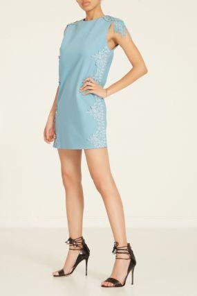 Голубое платье с отделкой