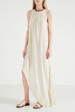 Асимметричное платье молочного цвета