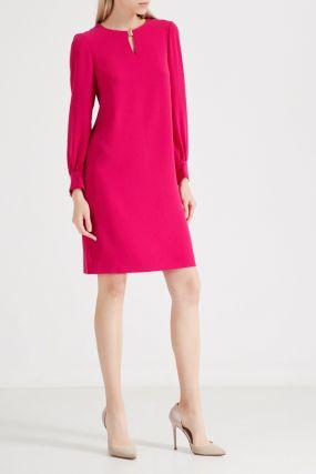 Розовое платье с металлическим декором