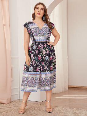 Платье размера плюс с цветочным принтом и разрезом