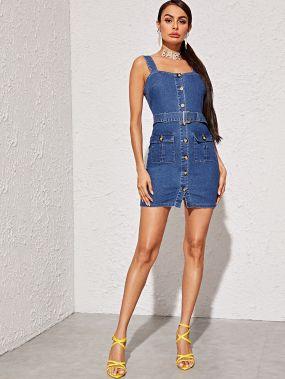 Облегающее джинсовое платье с пуговицами и карманом