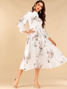 Плиссированное платье с цветочным принтом и поясом