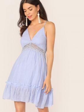 Платье с открытой спинкой и кружевной вставкой