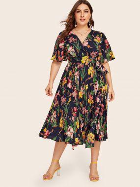 Платье на запах с узлом, высокой талией и цветочным принтом размера плюс