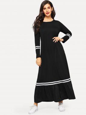 Длинное платье в полоску с оборками