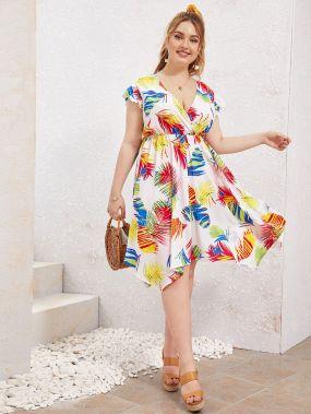 Платье размера плюс с оригинальным рукавом и лиственным принтом