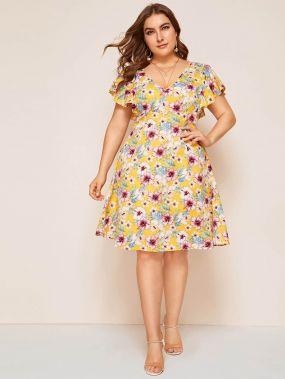 Цветочное расклешенное платье размера плюс с глубоким v-образным вырезом