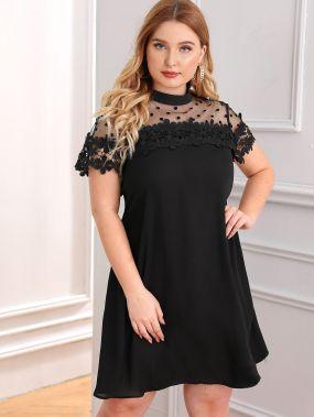 Платье размера плюс с сетчатыми вставками и аппликацией