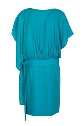 Голубое платье с летящими рукавами