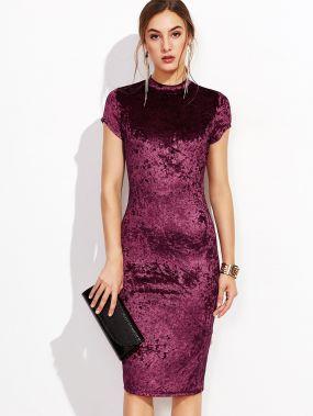 Бордовое модное платье-футляр