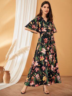 Платье с цветочным принтом, поясом, оригинальным рукавом и глубоким V-образным вырезом