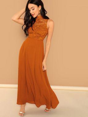 Кружевное длинное платье без рукавов