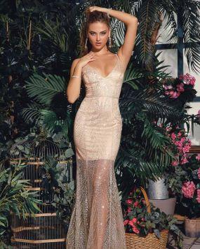 Изящное платье-годе