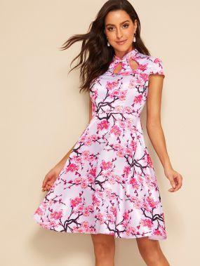 Атласное платье с цветочным принтом