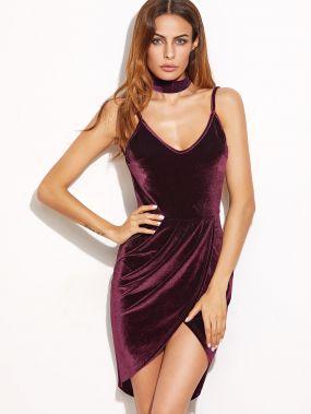 Бордовое бархатное платье с запахом с открытой спиной