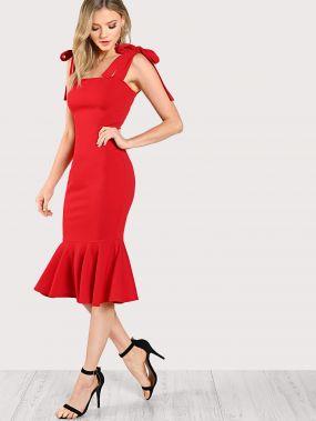 Модное платье годе с бантом