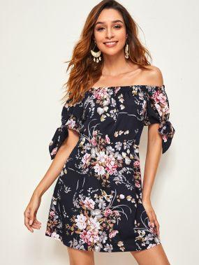 Платье с открытыми плечами и цветочным принтом