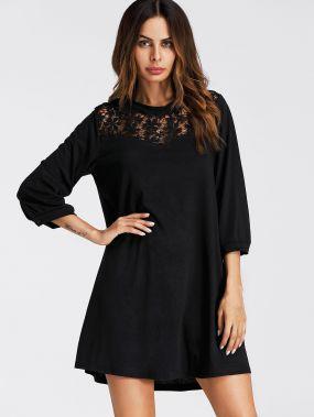 Модное платье с кружевной вставкой