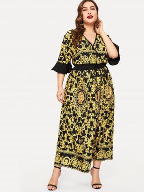 Размера плюс платье с поясом V-образным вырезом и графическим принтом