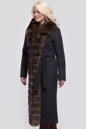 Утепленное драповое женское пальто с мехом песца