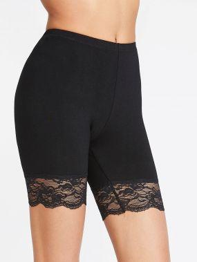 Чёрные модные короткие леггинсы с кружевной вставкой