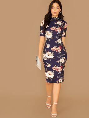 Цветочное платье-карандаш с воротником-стойкой