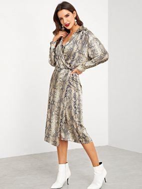Платье с принтом змеиных кож