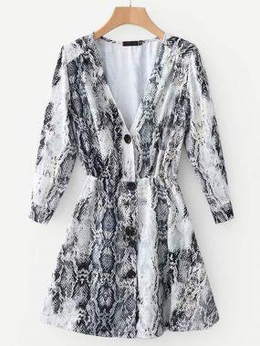 Однобортное платье с принтом змеиных кож
