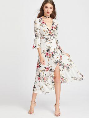 Белое платье в романтичном стиле с цветочным принтом
