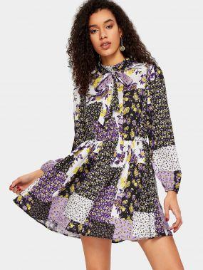 Платье со складками и цветочным принтом