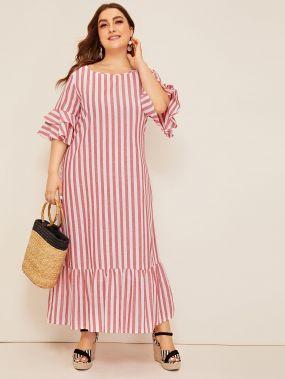 Размер плюс полосатое платье с оборкой и оригинальным рукавом