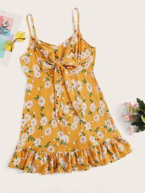 Платье на бретелях с цветочным принтом и узлом размера плюс