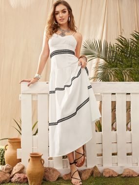 Платье-комбинация с кружевной вставкой