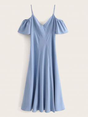 Однотонное платье с молнией и открытым плечом