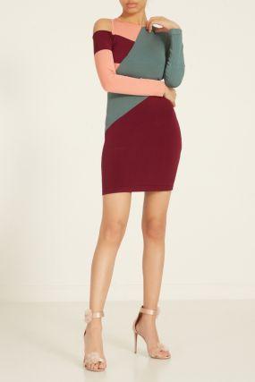 Трехцветное платье с длинными рукавами