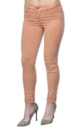 Укороченные джинсы оранжевого цвета