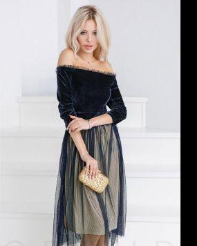 Пышное бархатное платье